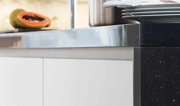 modele sans poignee photo de cuisine moderne. Black Bedroom Furniture Sets. Home Design Ideas